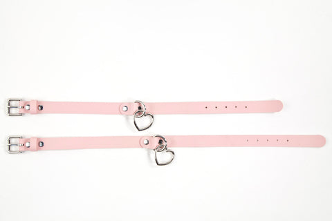 L'Amour-Propre Hanging Heart Collar