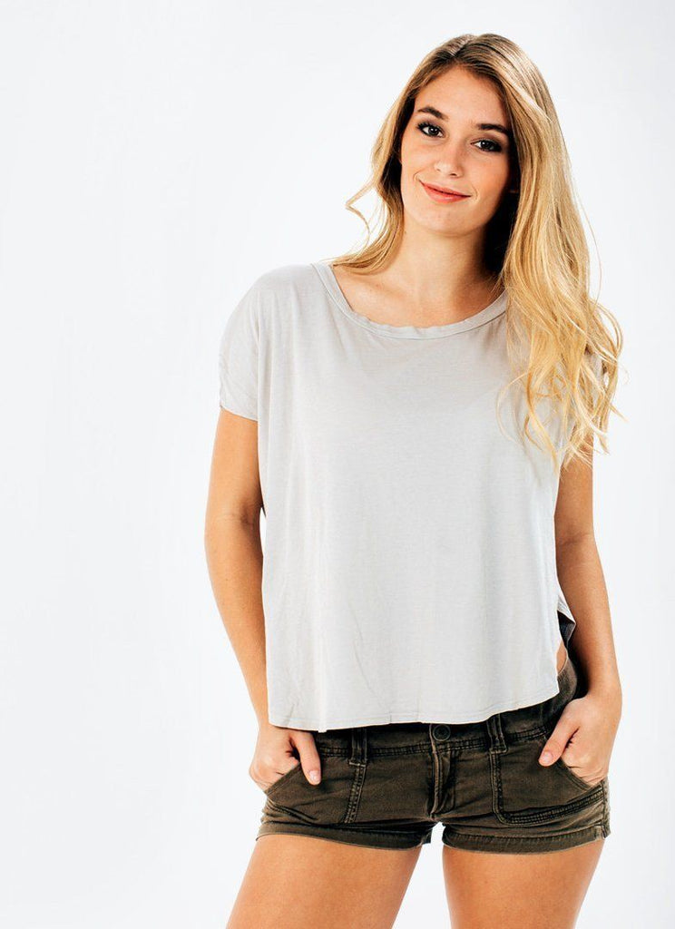 Organic Cotton Split Tee) no-repeat; background-size:cover; background-position:top right;