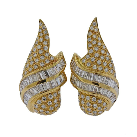 image of 3.75ctw Diamond Gold Wing Motif Earrings