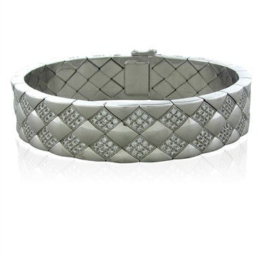 image of Chanel Matelasse 18K White Gold 2.00ctw Diamond Bracelet 87.9g