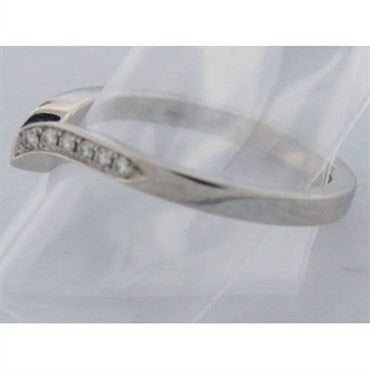 image of Hearts On Fire Platinum Diamond Pointed Ring Band