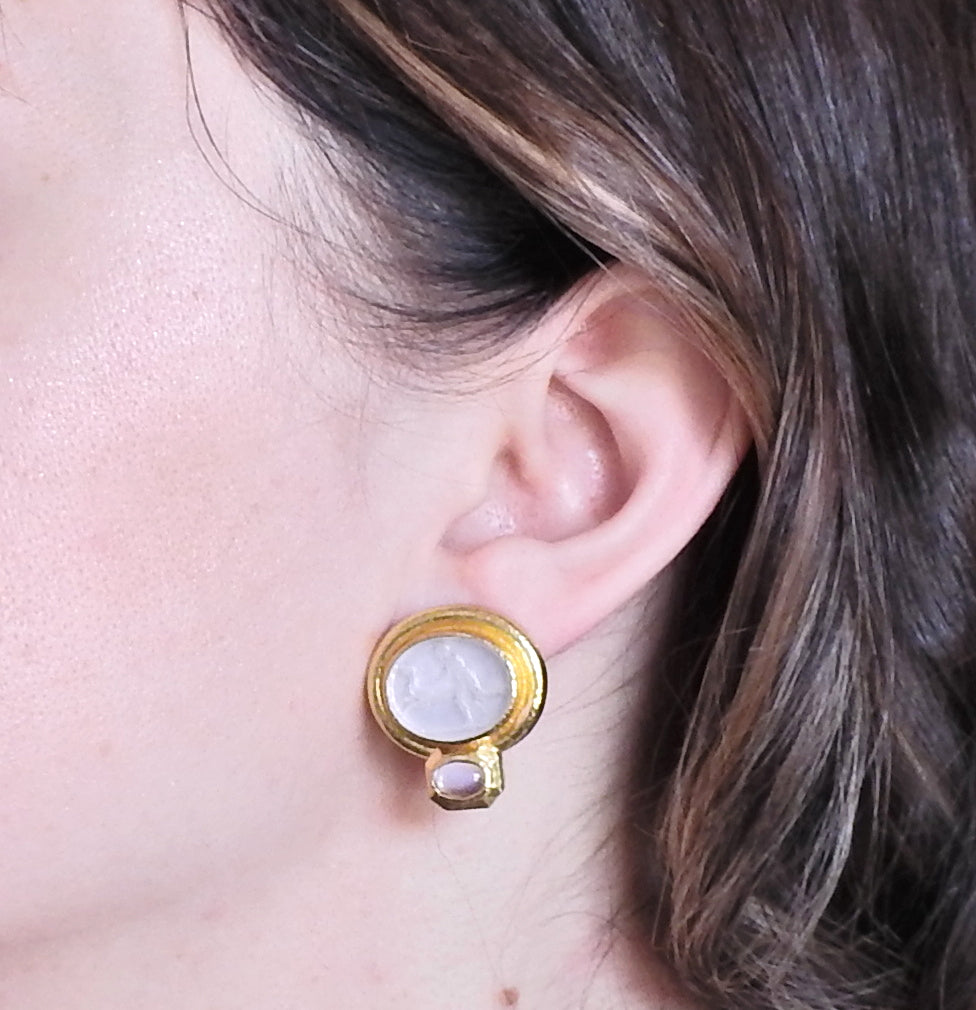 thumbnail image of Elizabeth Locke Moonstone Venetian Glass Intaglio Gold Earrings