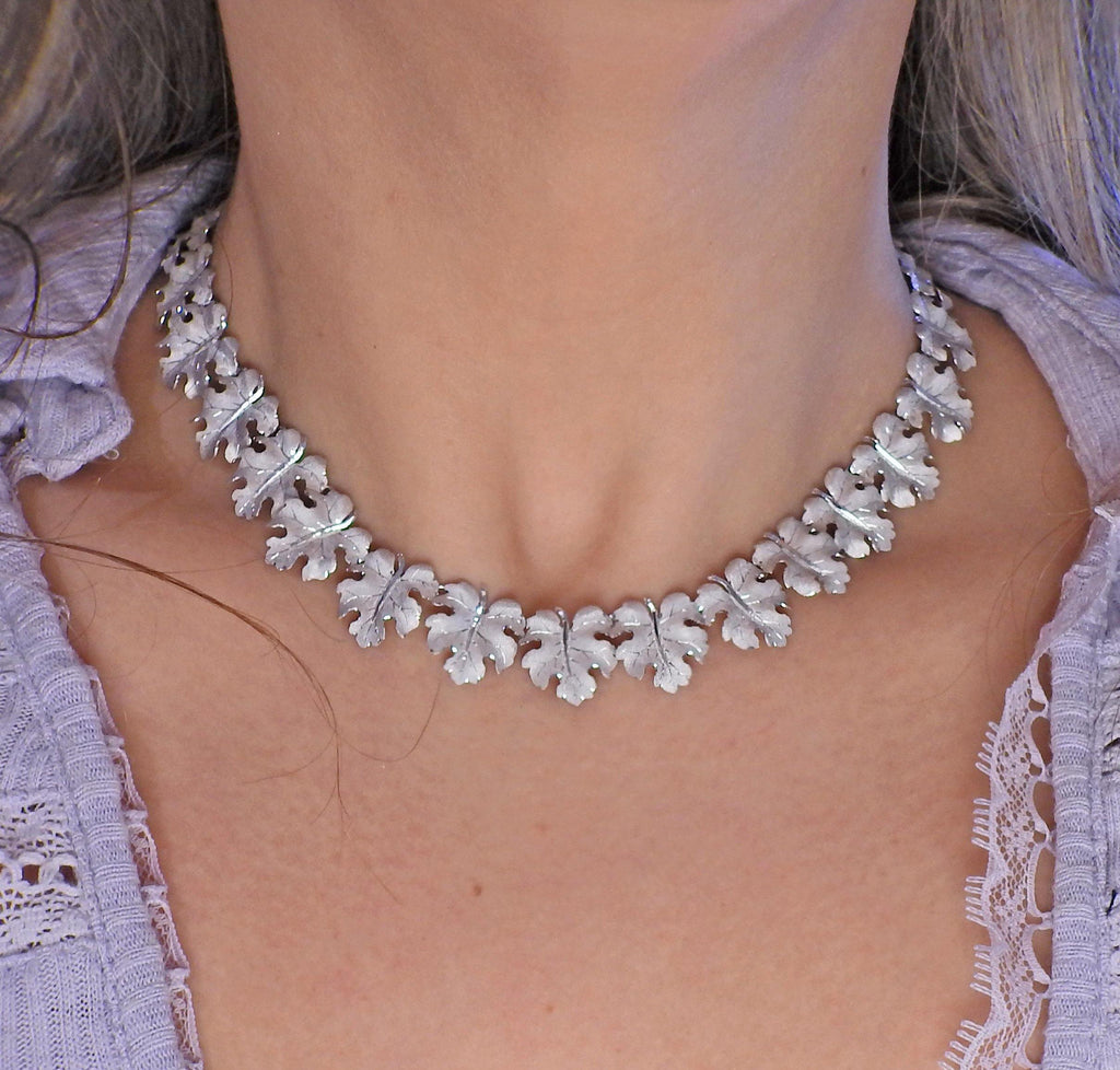 thumbnail image of Buccellati White Gold Leaf Motif Necklace