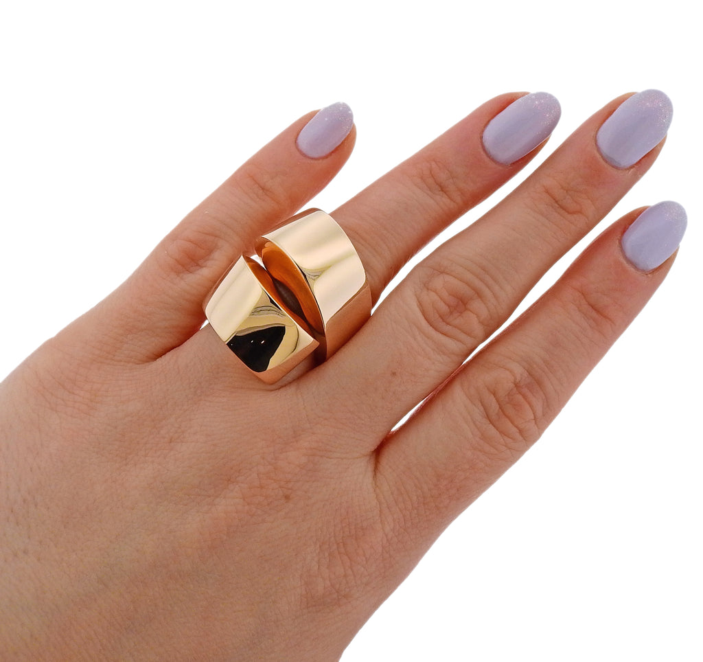 thumbnail image of Vhernier Gold Kiss Ring