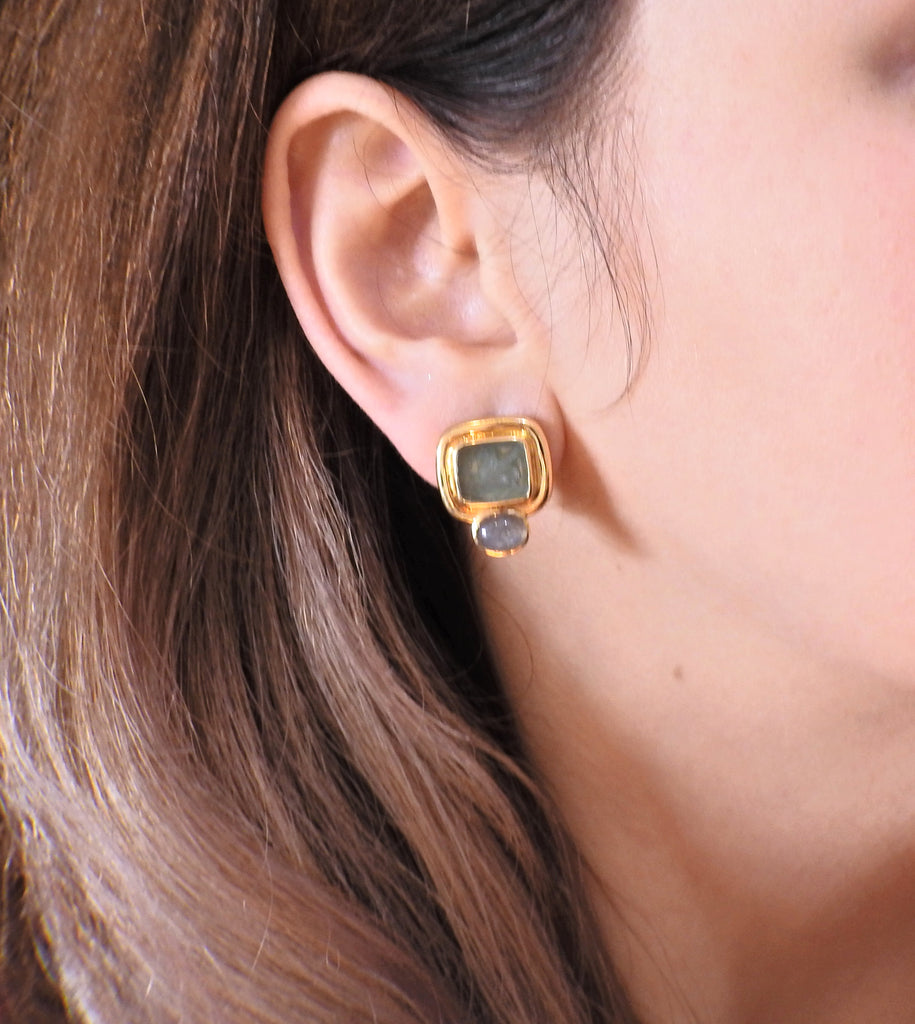thumbnail image of Elizabeth Locke Labradorite Venetian Glass Intaglio Gold Earrings