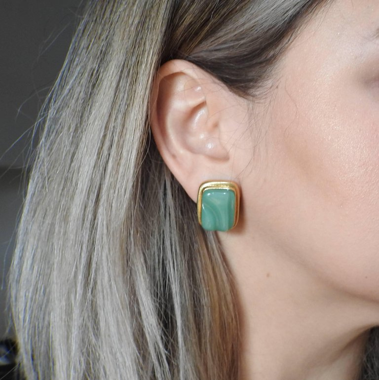 thumbnail image of Burle Marx Forma Livre Chrysoprase Gold Earrings