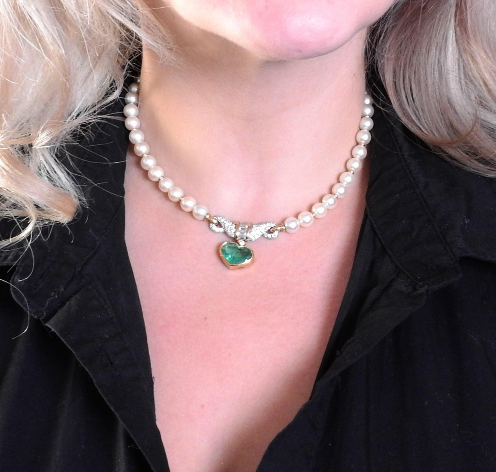 thumbnail image of Bvlgari Bulgari Pearl Diamond Emerald Gold Platinum Heart Necklace