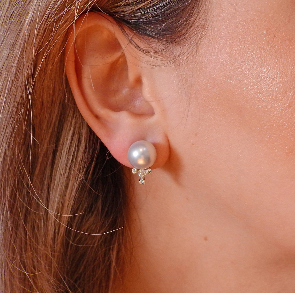 thumbnail image of South Sea Pearl Diamond Gold Earrings