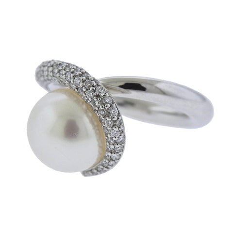 image of Gubelin Pearl Diamond 18k Gold Ring