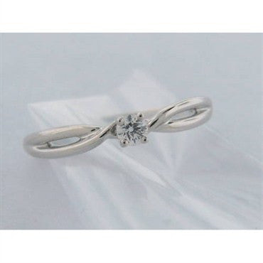 image of Hearts On Fire 18k Gold 0.10ct Diamond Criss Cross Ring