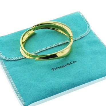 thumbnail image of Estate Tiffany & Co Gehry 18k Gold Fish Bangle Bracelet