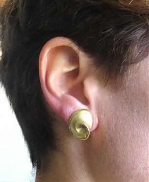 thumbnail image of Pedro Boregaard 18k Gold Swirl Earrings