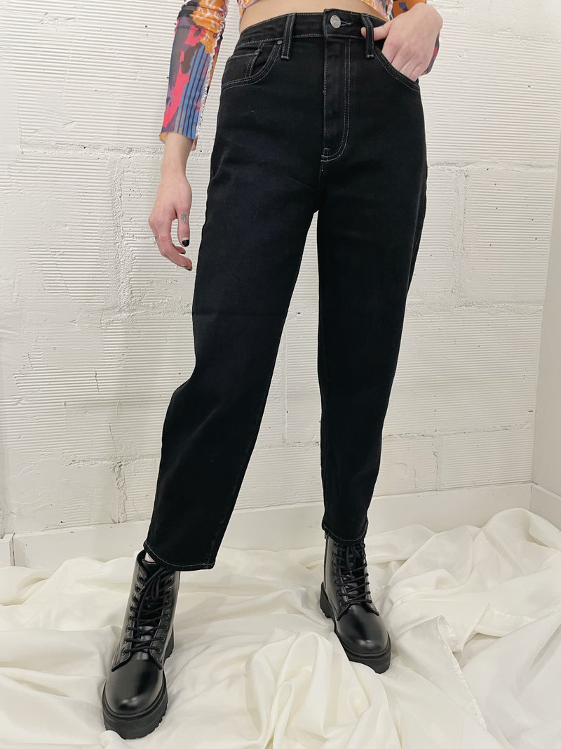 Tapered Barrel Jean