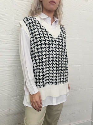 Picture This Houndstooth Sweater Vest - Black