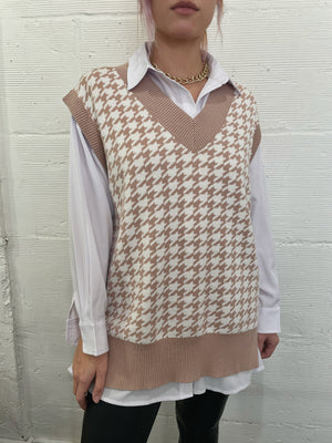 Picture This Houndstooth Sweater Vest - Sand
