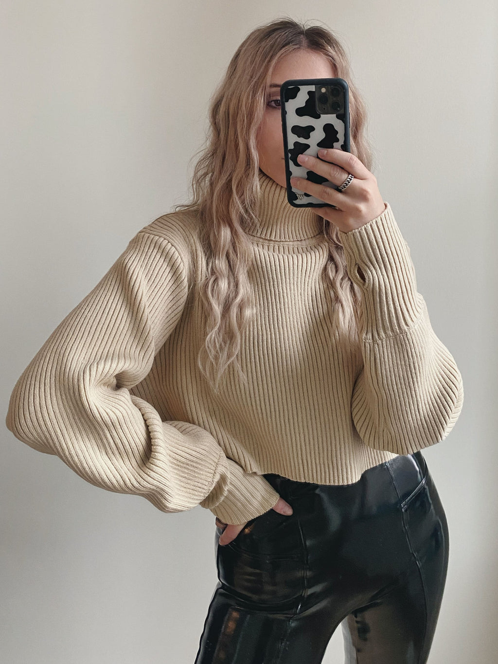 Oasis Crop Turtleneck - Tan
