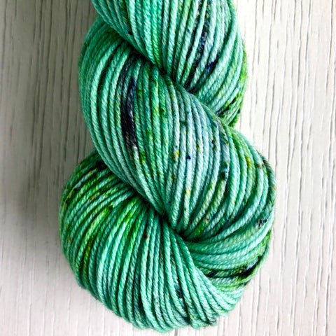 Monthly Colorway- Juicy Worsted July '20 Kiwi
