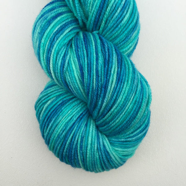 Juicy Worsted- Robin Egg Maltball