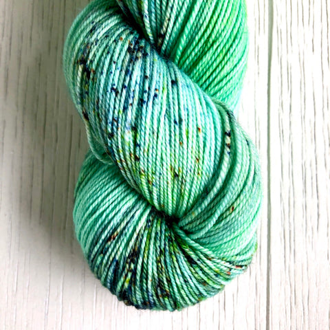 Monthly Colorway- Luscious Fingering July '20 Kiwi