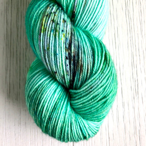 Monthly Colorway- Yummy Fingering July '20 Kiwi