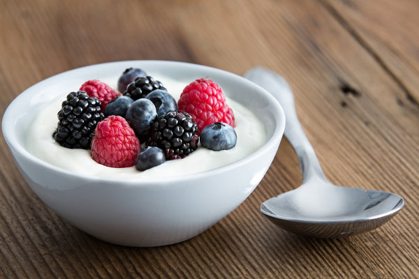yogurt-griego-con-frutos-rojos