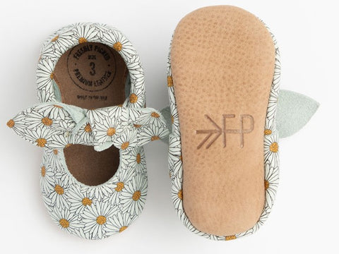 Freshly Picked Daisy Chain Knotted Bow Soft Sole Moccasins