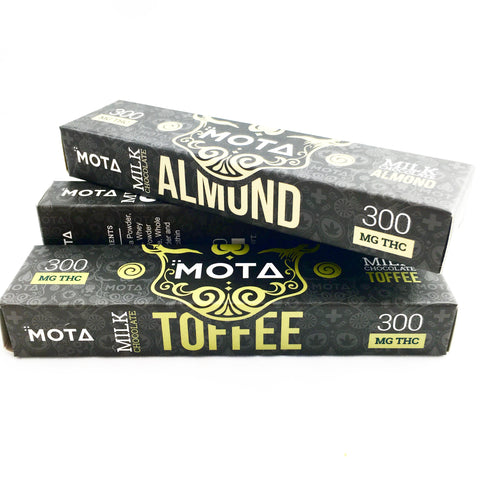 Almond Chocolate Bar by Mota
