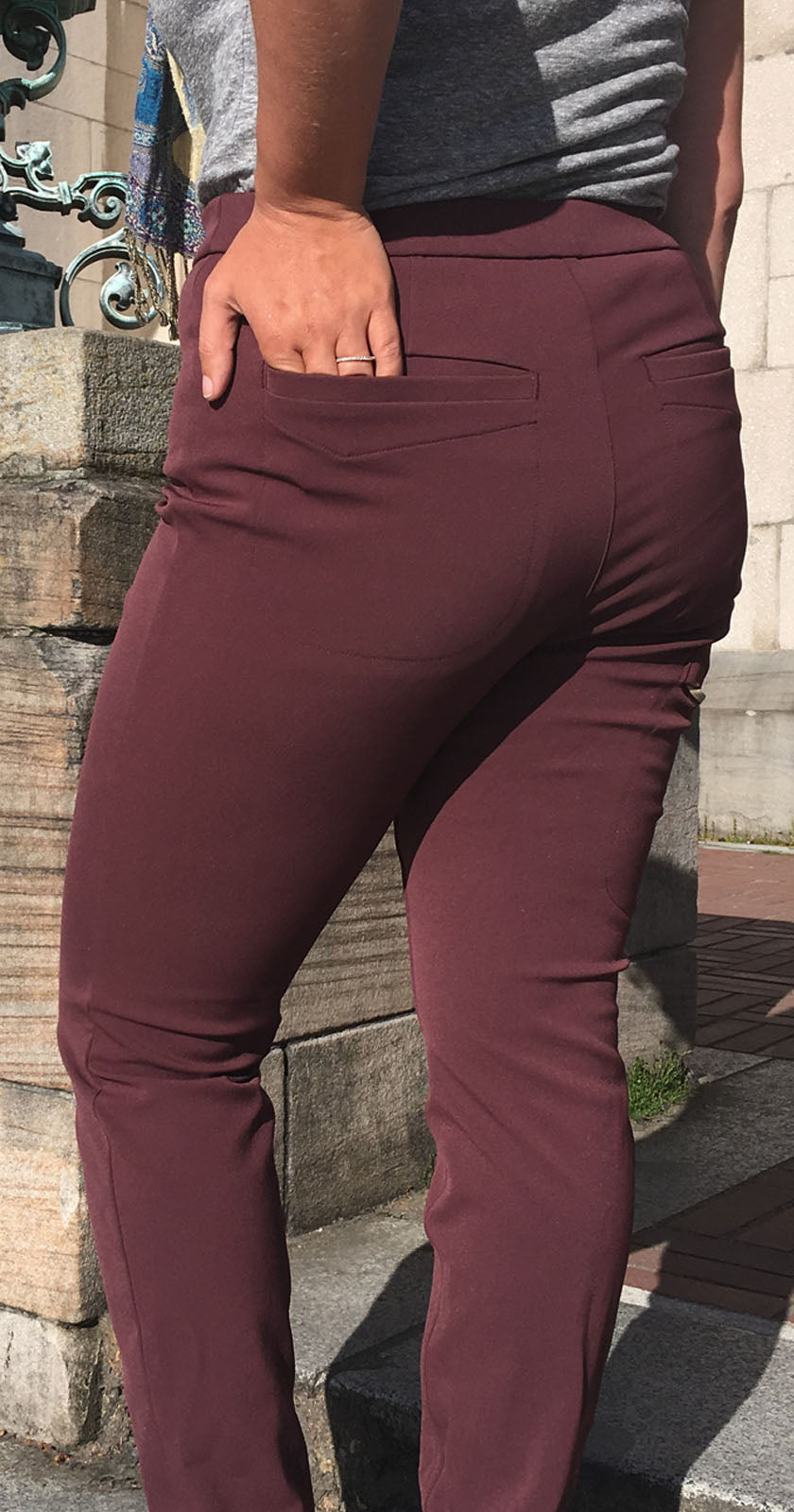 The 4 Pocket Un-Legging