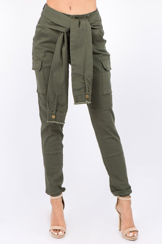 Cargo Pant with Sleeve Belt