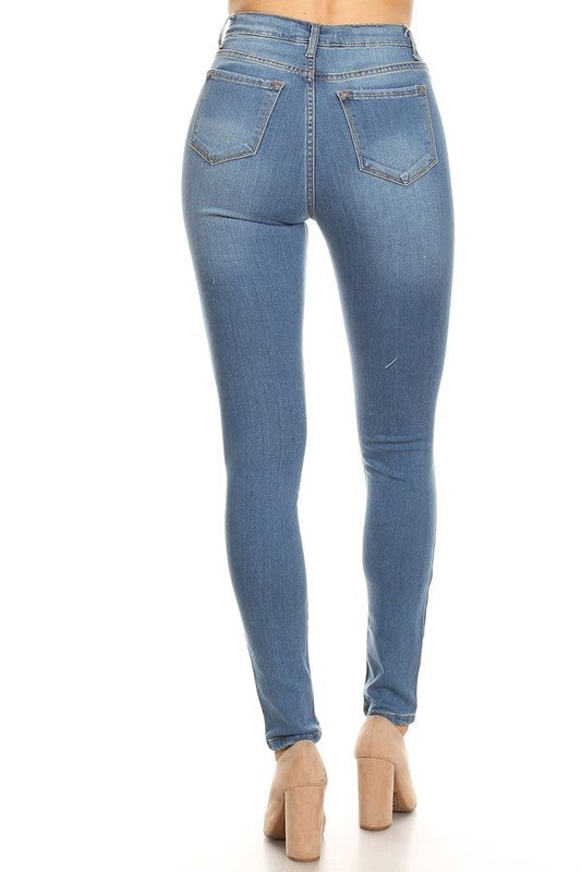 Skinny Jeans with Ripped Knee