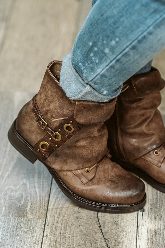 Short Combat Boot with Flap