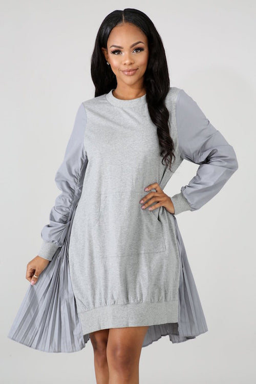 Pleated Contrast Back Pullover Dress
