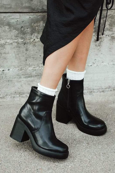 Chunky Heel O Ring Short Bootie