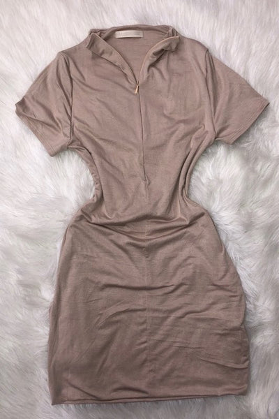 Short Sleeve Dress with Zipper in Front