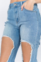 Cut Out Thigh Destroyed Jean