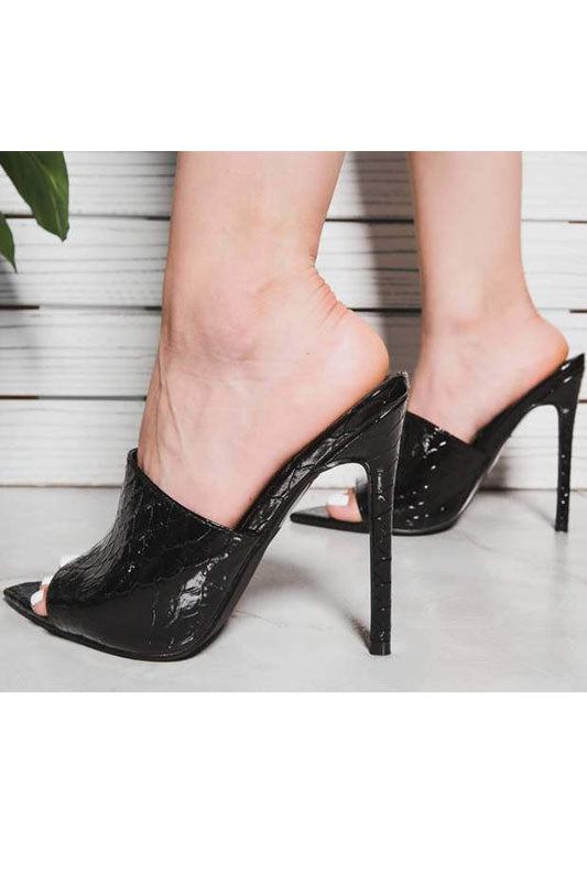 One Band Pointy Heel