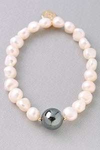 Natural Pearl Stretch Bracelet