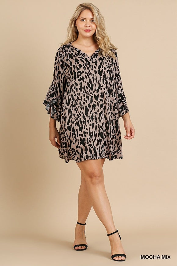 Curvy Girl Animal Print Ruffle Spit Sleeve & Neck Dress