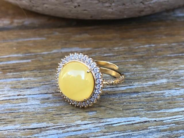 Amber ring- adjustable