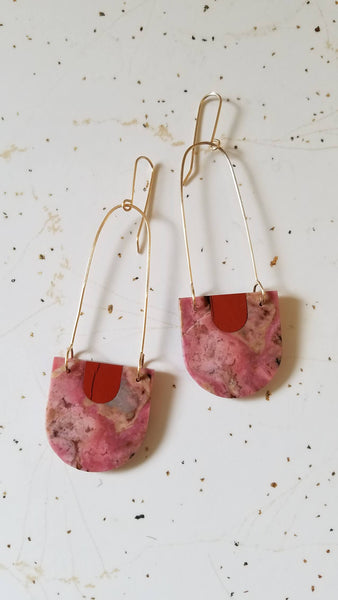 Long Color Theory Earrings Red/Pink