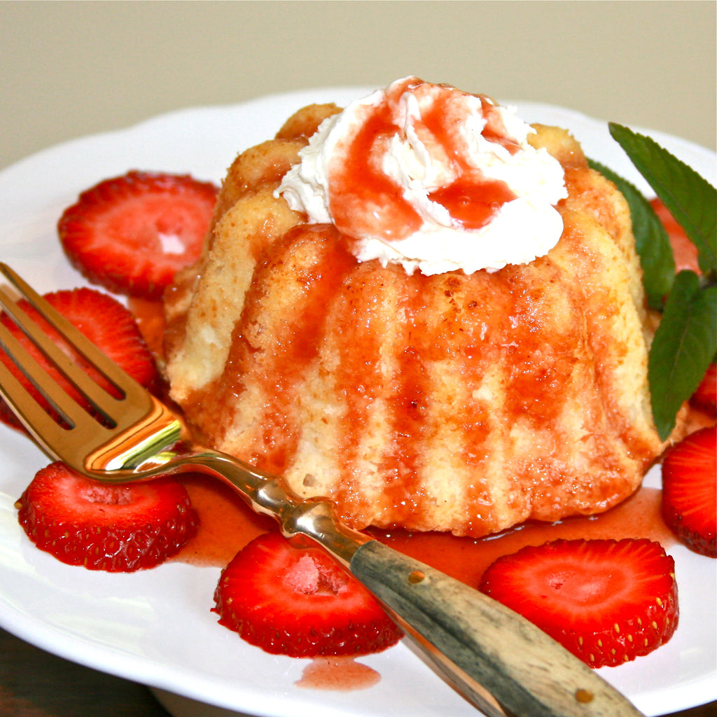 STRAWBERRIES & ANGEL FOOD CAKE (Strawberry Champagne Finishing Sauce)