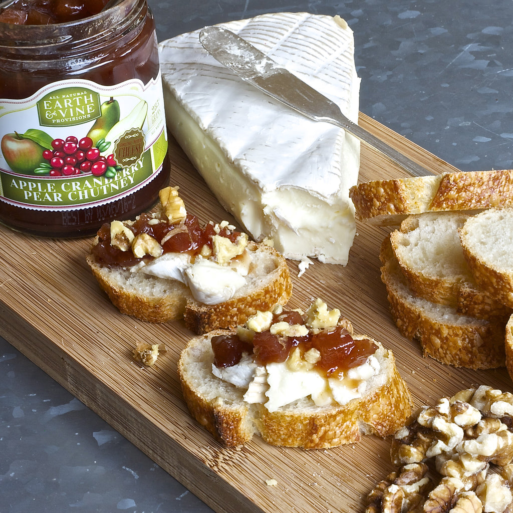 BRIE WALNUT CROSTINI (Apple Cranberry Pear Chutney)