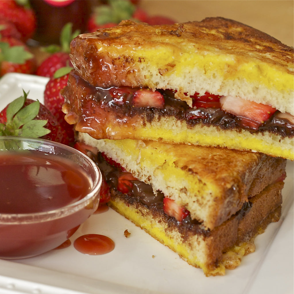 CHOCOLATE STRAWBERRY GRILLED SANDWICH (Strawberry Champagne Finishing Sauce)