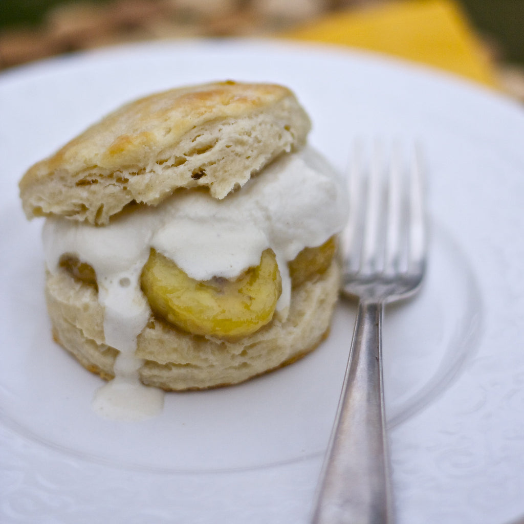BANANA CARAMEL CREAM BISCUITS (Caribbean Banana Caramel Finishing Sauce)