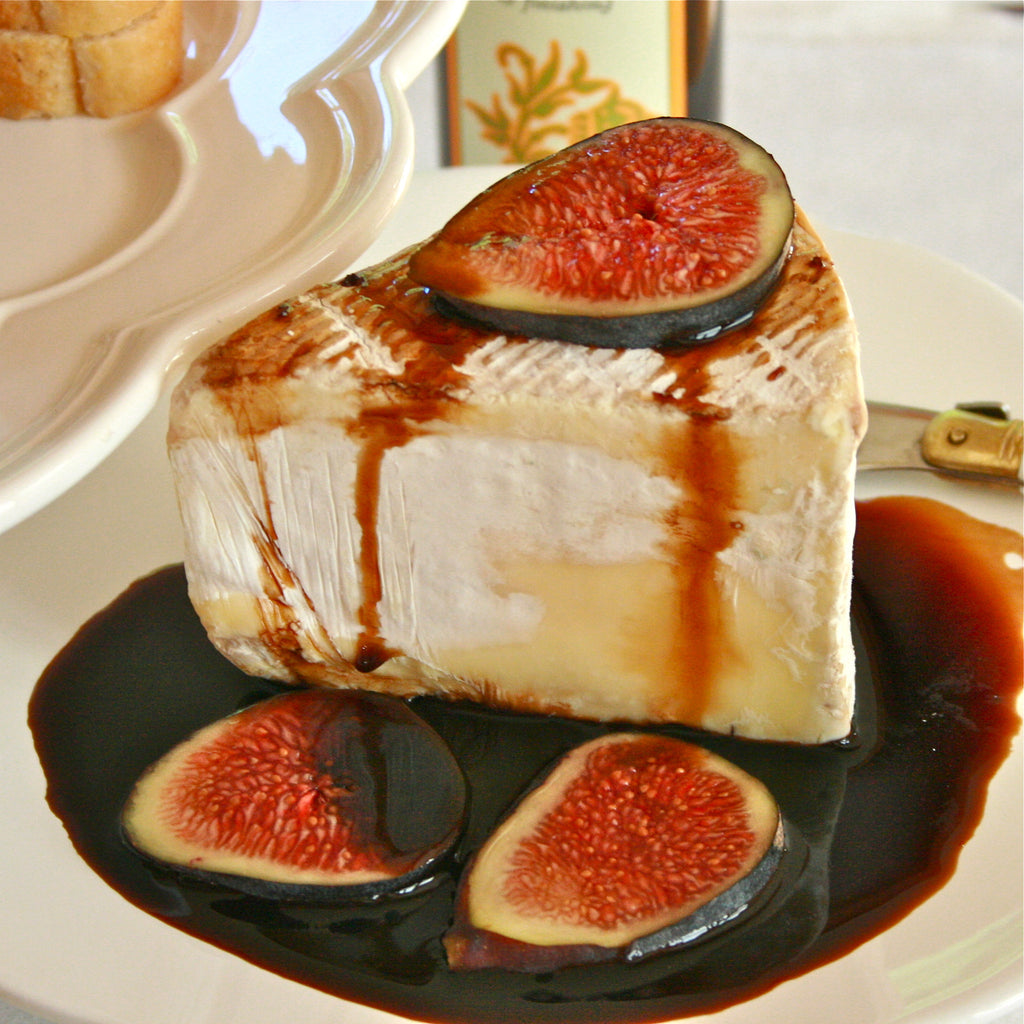 TRIPLE CREAM CHEESE WITH FIG SAUCE (Tangerine Fig Balsamic Finishing Sauce)