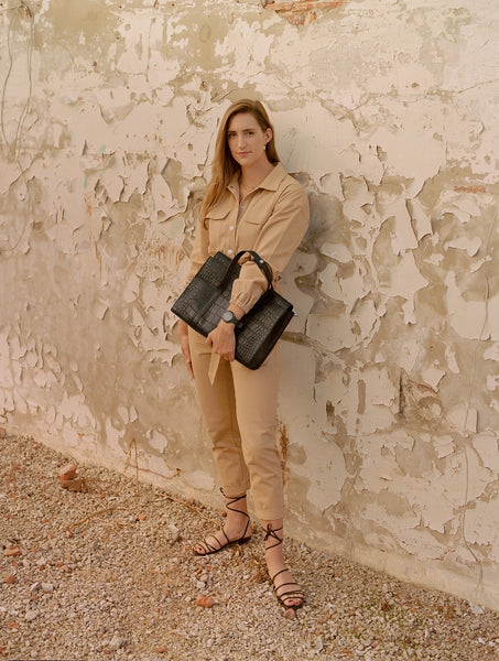 Meet Axelle, the person behind our carry all laptop bag
