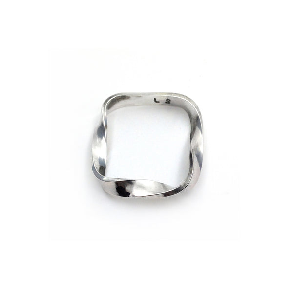 Twisted silver ring By Lion Studio
