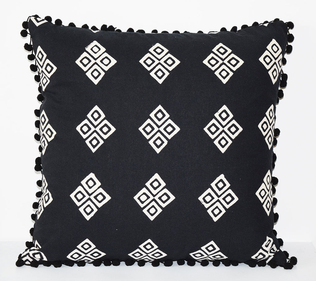 Cotton Throw Pillow | Frida Black + White