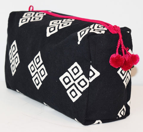 Large Canvas Toiletry Bag | Frida Black