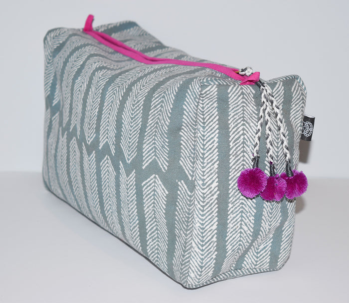 Large Canvas Toiletry Bag | Aiko Grey